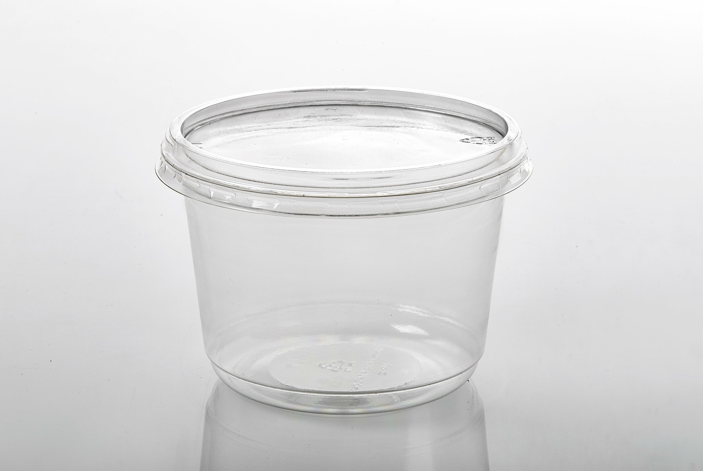 T502 LR 32 with Clear Lid